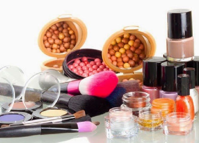 Zat Kimia Berbahaya Pada Kosmetik Serta Dampaknya Bagi Kesehatan
