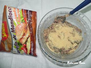 Delicioso bolinho feito com feijão carioquinha.