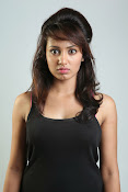 Tejaswi Madivada glam pics-thumbnail-11