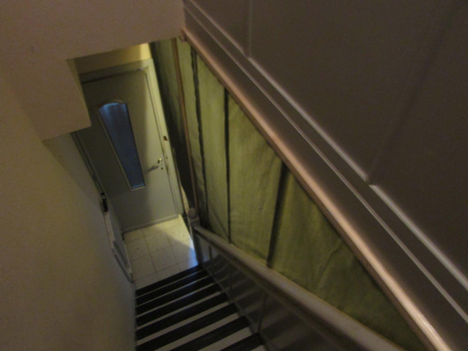 Verbouwing van ons ouderlijk huis voorbereiding afbraak boven 2 - Beneden trap ...
