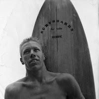 Hobart Hobie Alter le surfeur, par Pierre-Yves Gires