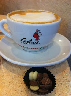Stitch and Bear - Cafe con leche with chocolate chips at O'Conaill's Chocolate shop Cork