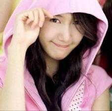 Yoona SNSD Jaket Pink