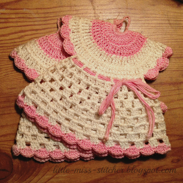 Free Vintage Kitchen Crochet Patterns : Little Miss Stitcher: Vintage Crocheted Dress Potholder