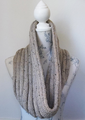 new and very easy hand knitting pattern for a Cowl, Scarf or Neck