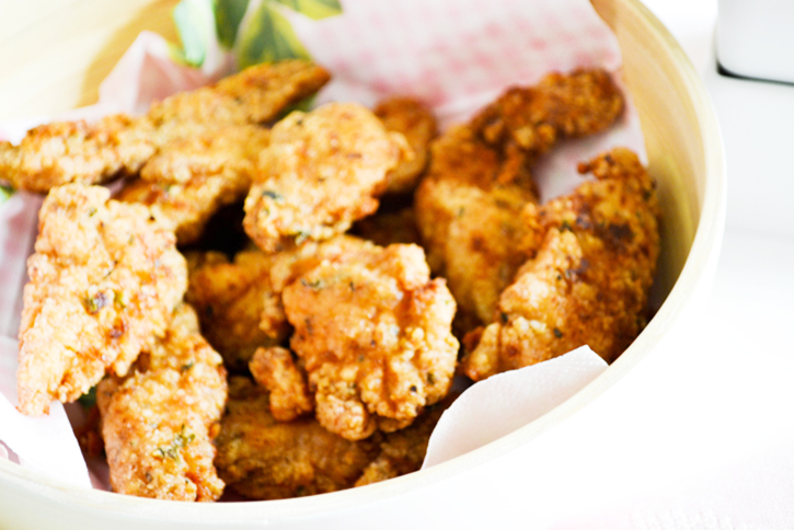 Craft A Doodle Doo - The awesome new fried chicken recipe to try RIGHT NOW! #easy #chicken #tenders