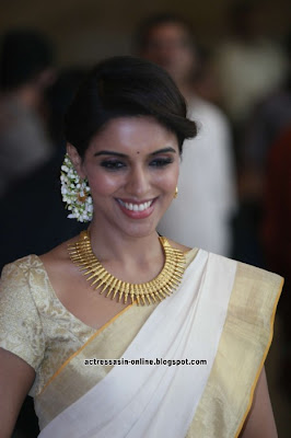 Asin  at Ritesh & Genelia Wedding stills