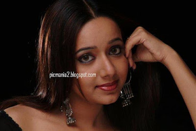South indian mallu actress chandra lakshman wet hot and sexy image gallery