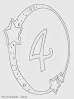 Mewarnai angka 4 bergaya bulan dan bintang