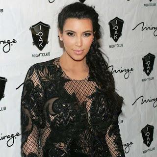 Model Rambut Kepang ekor ikan yang ala Kim Kardashian