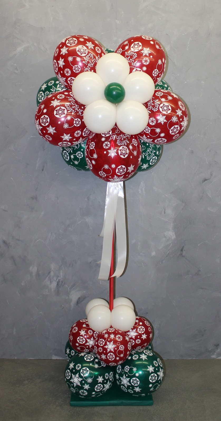 The very best balloon christmas puffballs