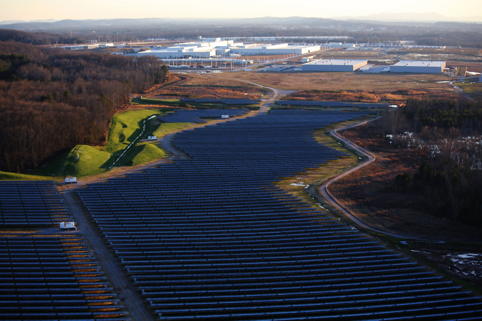 volkswagen chattanooga powers  largest solar park  tennessee
