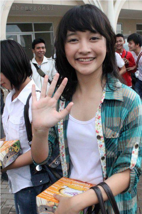 Devi Kinal Putri Personil JKT48 Paling Imut