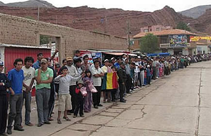 Camargueños bloquean carretera Tarija-Potosí