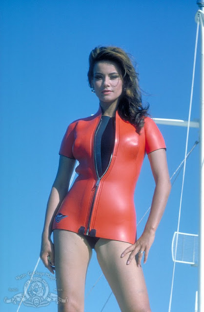 Claudine Auger Video6