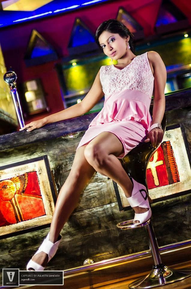 Shehani Wijethunge hot sexy thighs