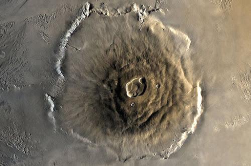 10 Vulcões do Espaço Totalmente Espetaculares