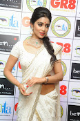 Shriya Saran latest pics at Gr8 Women Awards-thumbnail-11