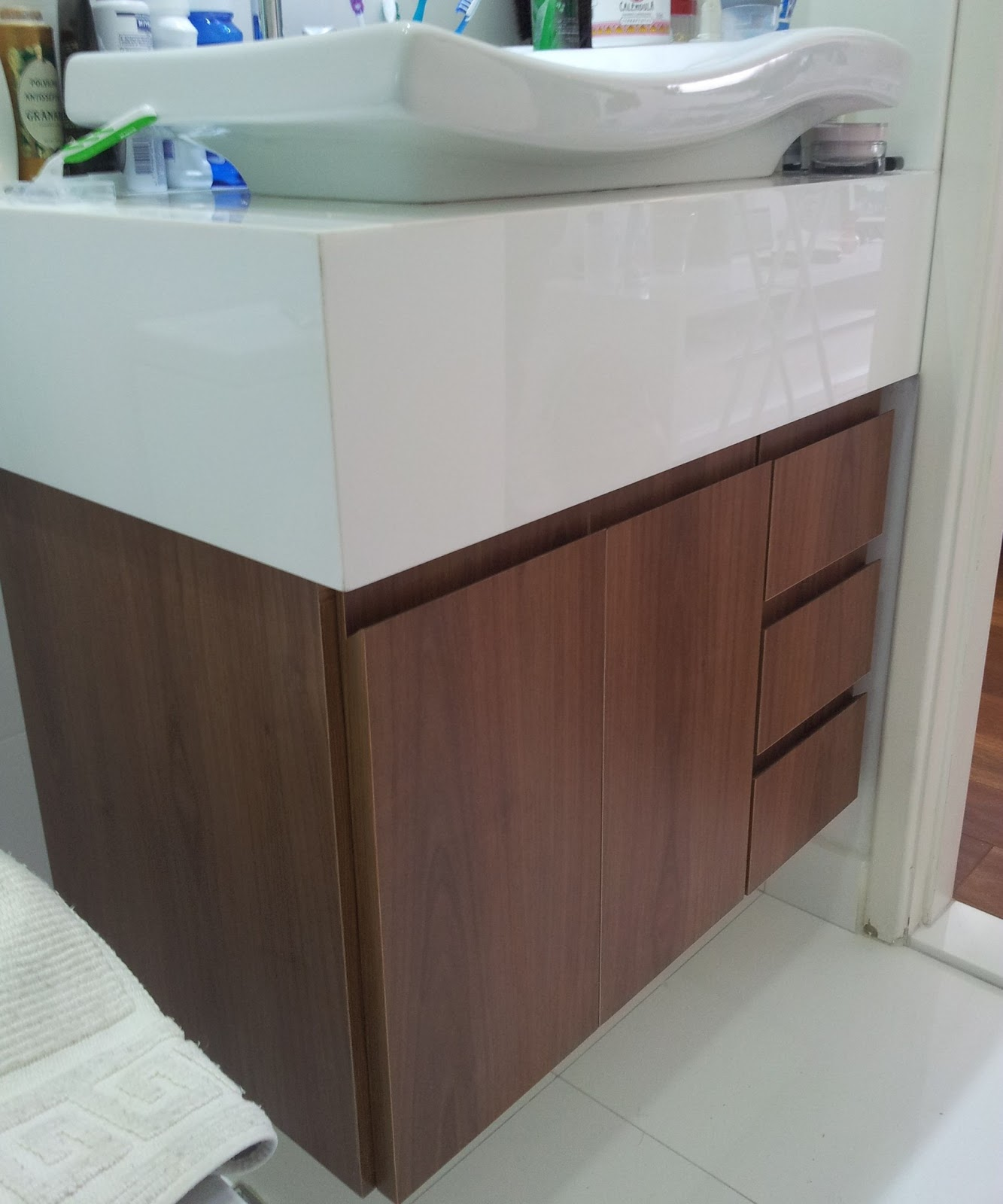 Móveis Sob Medida: Gabinete de Banheiro #60443B 1333 1600