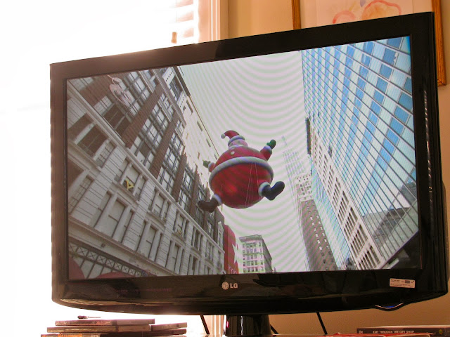 Here-Comes-Santa-Claus-at-The-Macy's-Thanksgiving-Day-Parade