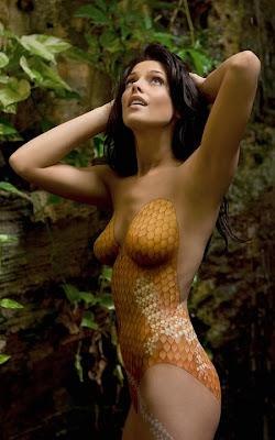 Julianna Guill Hot