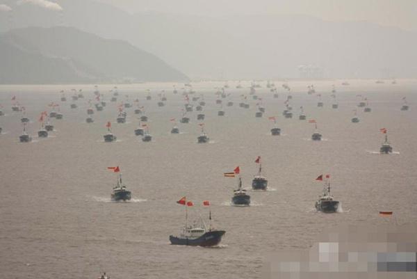 กองทัพเรือประมงของจีน แสดงแสนยานุภาพด้วยการออกไปจับปลารอบ ๆ เกาะเตียวหยู