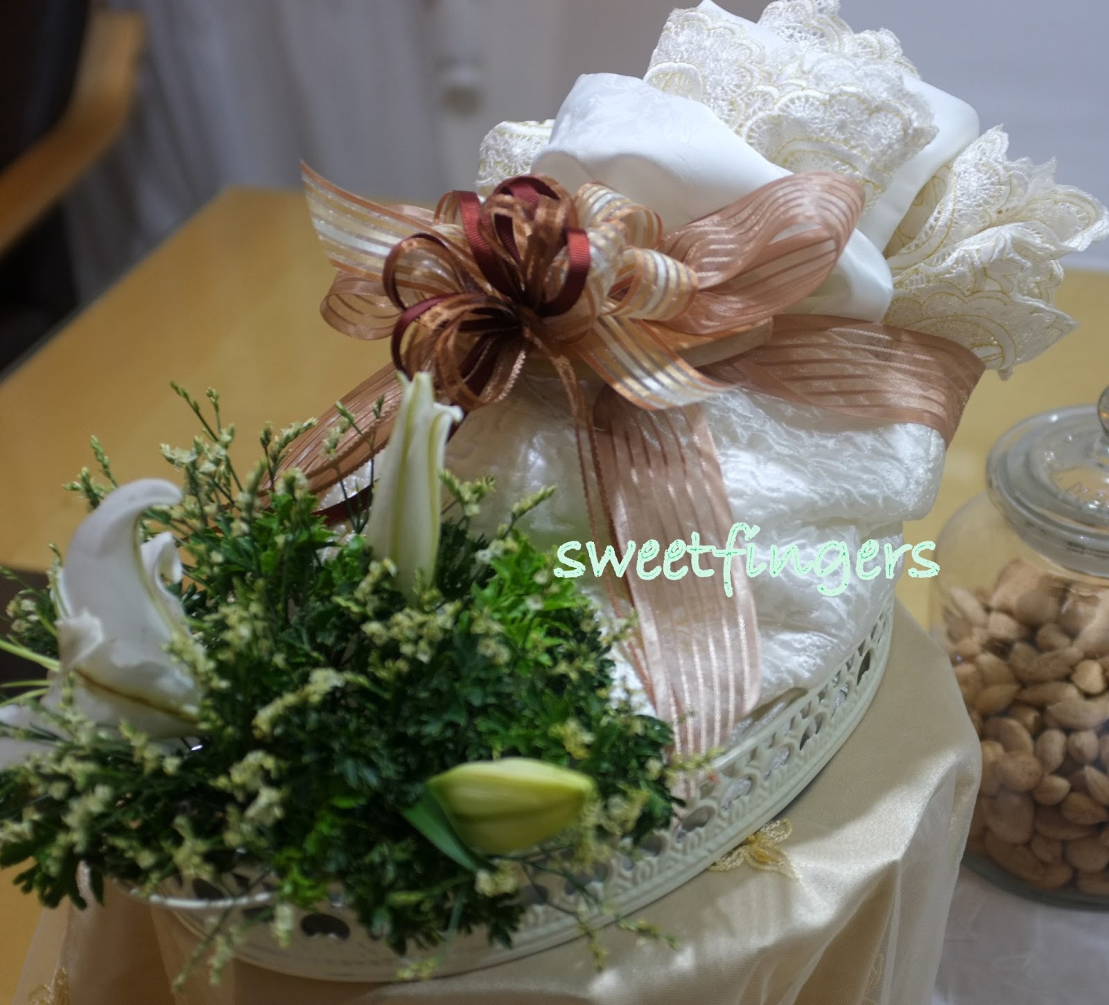 Yans Sweet Fingers Wedding Gift With Fresh White Lily Mukena Bouquet The