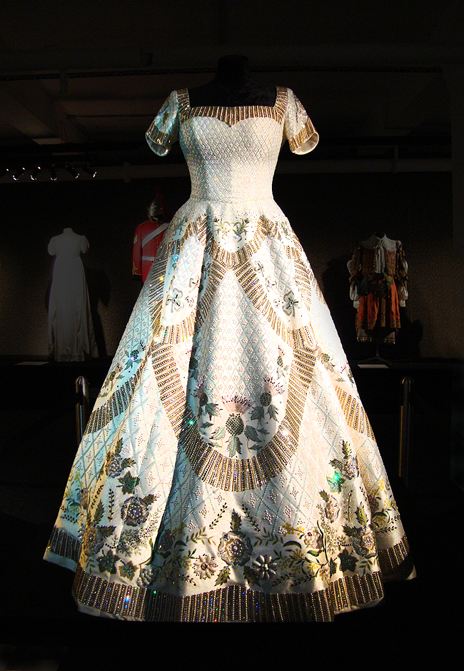 Dressed by Angels, Elizabeth II, coronation dress