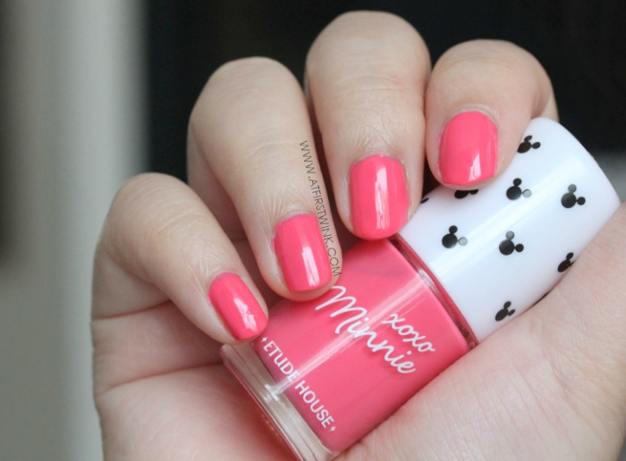 Etude House xoxo Minnie nail polish 02 - Bubble Pink on nails