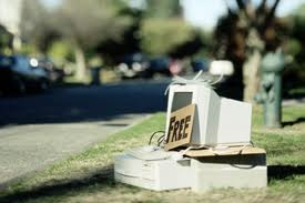 Imagine of Computer on sale in a Garden