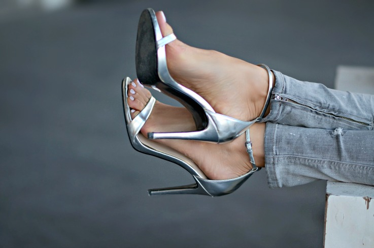 Silver metallic zara sandal heels, White nails