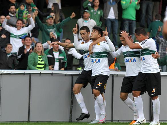 Coxa volta a vencer no Brasileirão