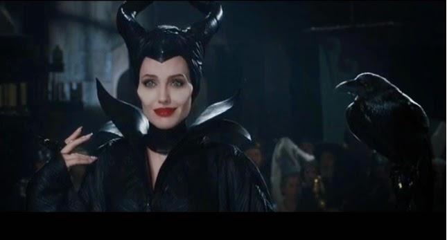 Смотреть Анджелина Джоли поставить свою первую несколько строк как диснеевский персонаж, с Lana Del Rey