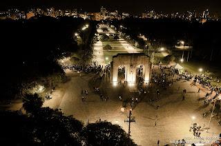 Por uma Porto Alegre noturna e ao ar livre