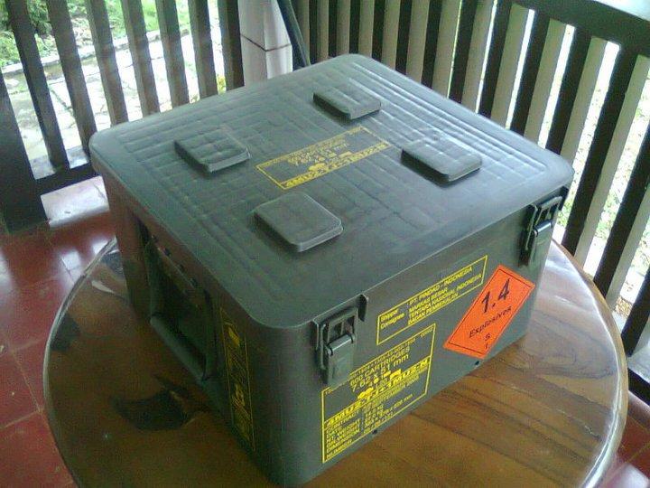 Azmi Agustianzi 4x4 Jual Box Kotak Peluru