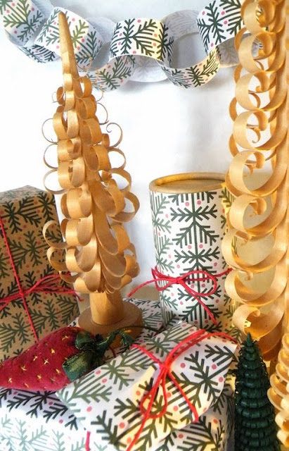 Free gift wrap and paper chain design for all last orders