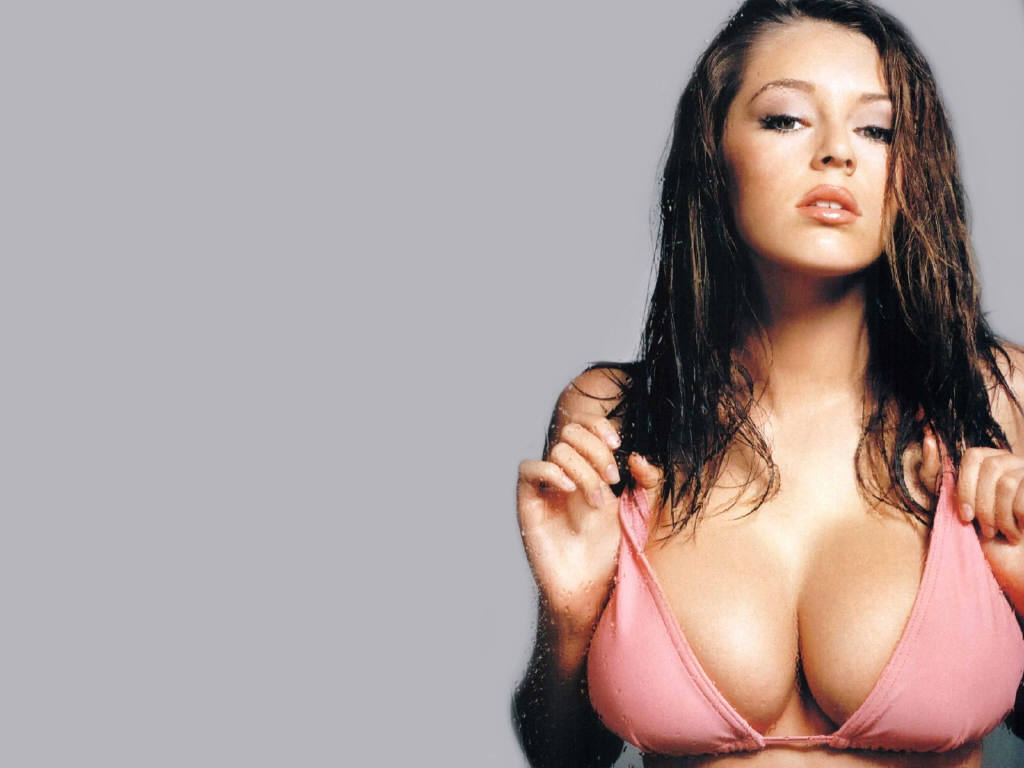 Keeley Hazell ~ World of photography