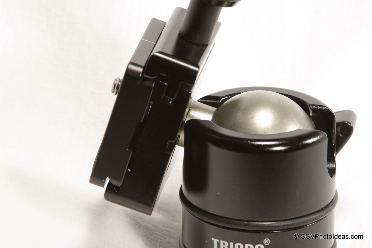 Triopo B-2 QR Clamp on Triopo RS-3 ballhead tilted