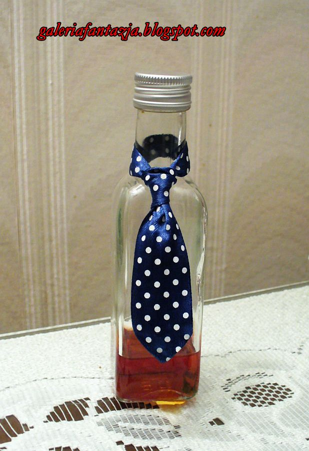 Krawat na butelkę/ A ribbon tie for a bottle
