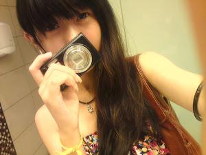 我要买相机啦啦啦 / \