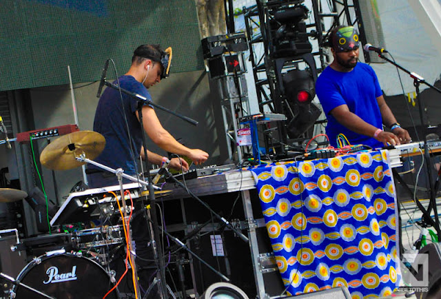 "DSC0930 SBTRKT   ""Live @ Ultra 2012"" / ""Hold On"" (VTT Photos / Official Music Video)"