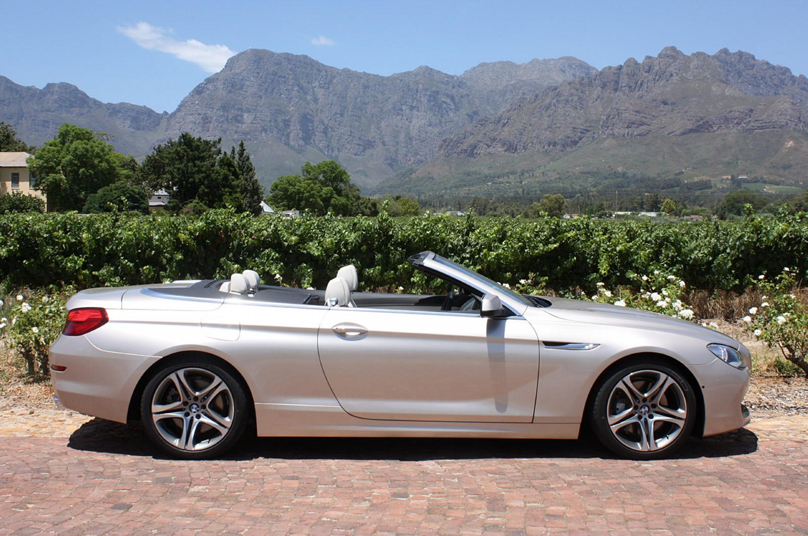 car pictures bmw 6 series convertible 2012. Black Bedroom Furniture Sets. Home Design Ideas