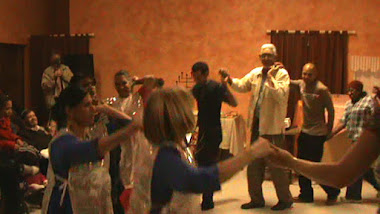 Congregational dancing during Yom Teruah 2011