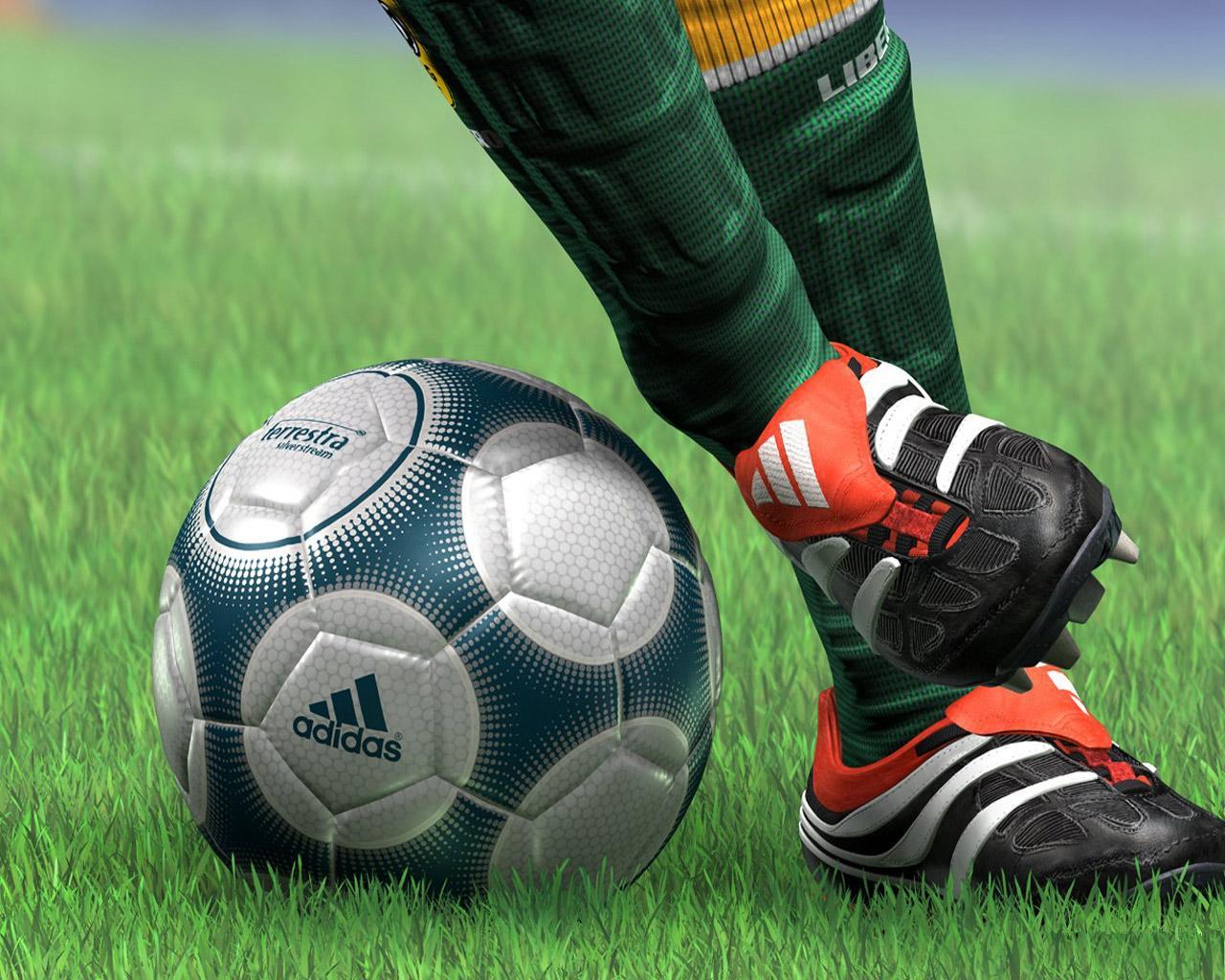 http://1.bp.blogspot.com/-GiSvlnjcKsU/UVhQpqEk4oI/AAAAAAAAXh8/kARTvVDvs6g/s1600/football-wallpaper-09.jpg