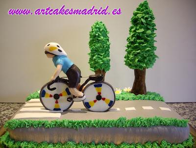 Tarta de cumpleaños para los aficionados a las bicicletas
