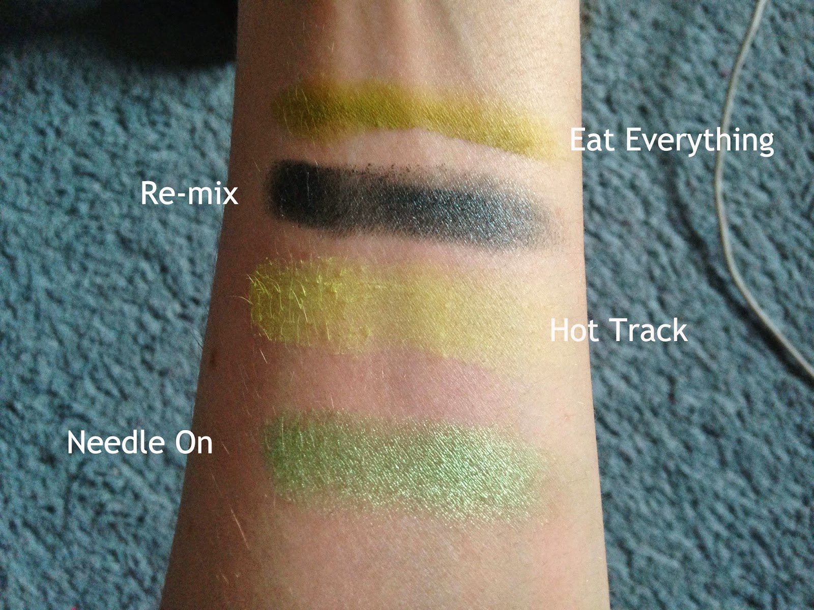 Makeup Revolution Eat Sleep Makeup Repeat Palette