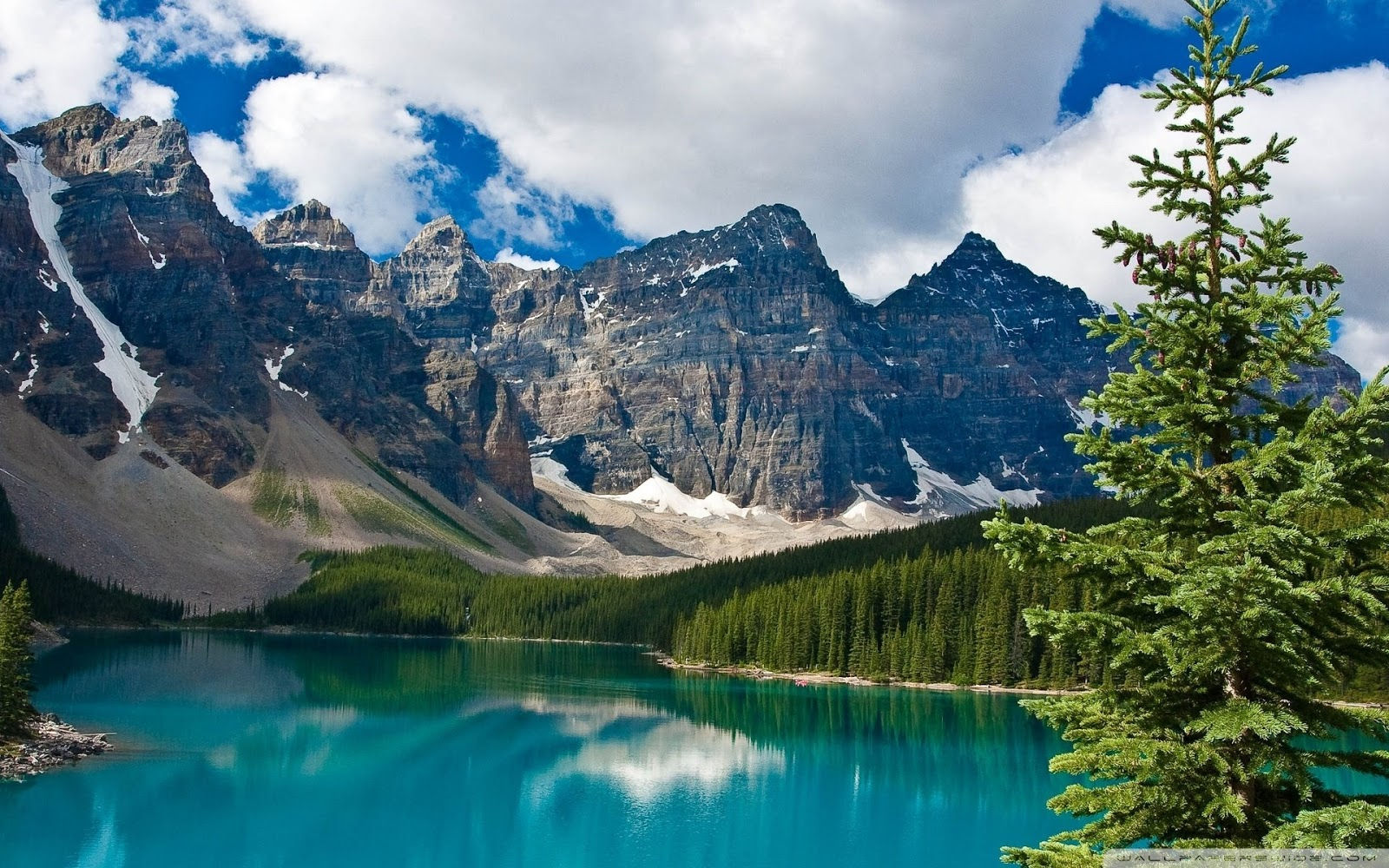 Emerald Lake (British Columbia) - Wikipedia
