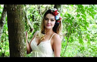 Segundo o empresário Jorge Sousa, as imagens foram enviadas pela atriz a um 'amigo' que as teria 'vazado' na net: 'Espero que seja punido'