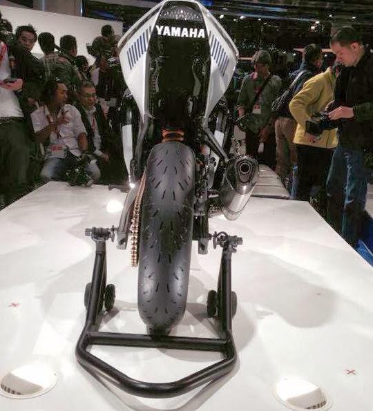Moge+yamaha Harga Spesifikasi dan Foto Yamaha R25 Terbaru 2014