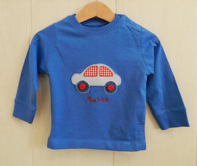 Camiseta con aplicaciones patchwork, camiseta niño patchwok, camiseta coche patchwork, camiseta patchwork, camiseta niño, camiseta coche